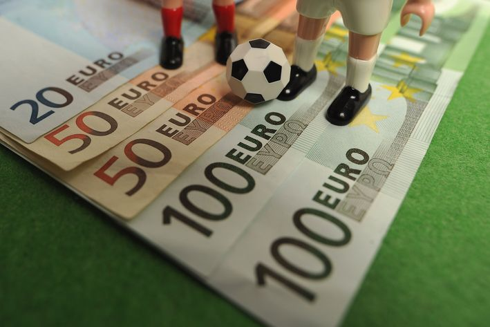 Look For a Proper Bookmaker for Soccer Betting